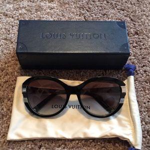 Louis Vuitton Petite Cat Black Sunglasses